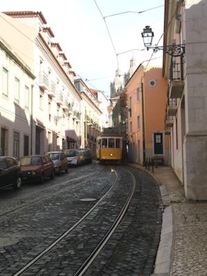 Stra�enbahn in Lissabon