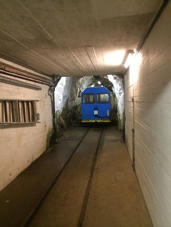 Die Lorenbahn wartet auf Fahrgäste